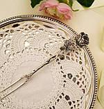 Срібна посуд сервіровки вилка з трояндою, Хильдесхаймская Троянда, срібло 835, Німеччина, Christoph Bach, фото 2