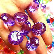 Акриловые бриллианты фиолетового цвета 50 шт./уп. Акриловые драгоценные камни фиолетовые. Бриллианты из