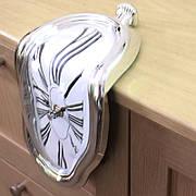 Часы Сальвадор Дали Утекающее время серебряные. Мягкие часы. Часы Постоянство памяти 18*12*5 см