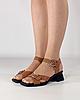 Босоножки женские кожаные коричневые на каблуке с пряжками MORENTO, фото 2