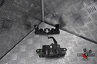 Накладка замка капота на Mazda 3 BM 2014