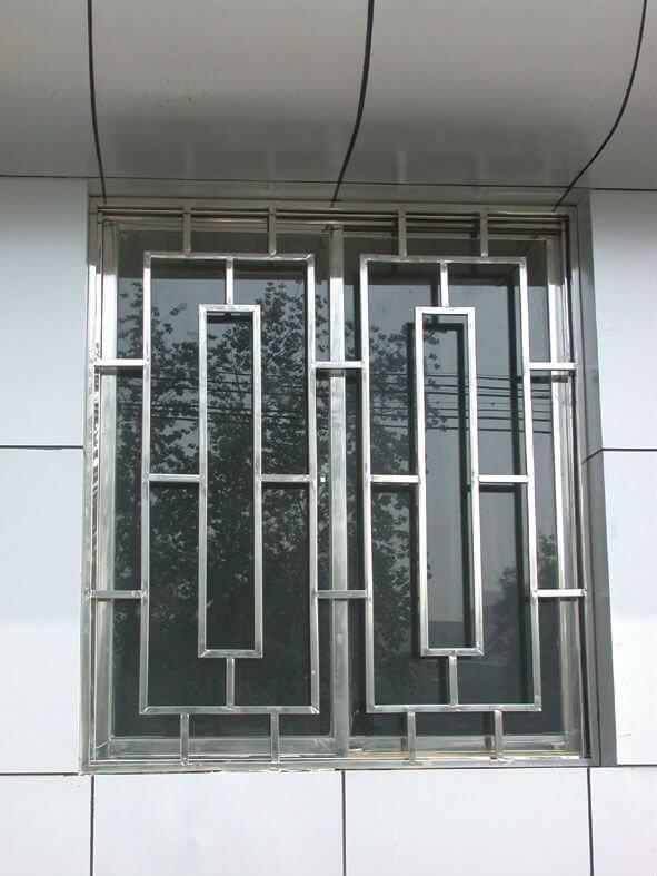 Решетка оконная металлическая