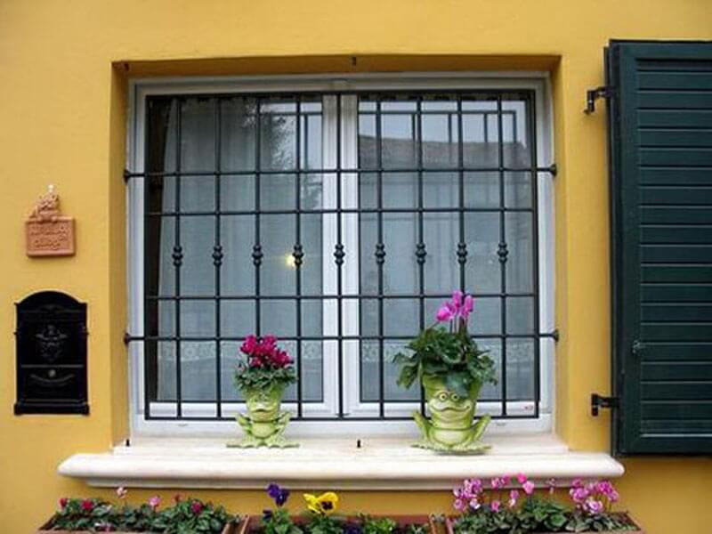 Решетки на окна подвала