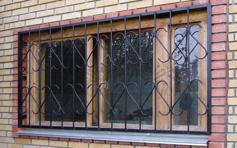 Сварные кованые решетки на окна