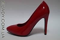 Красные лаковые туфли на шпильке, фото 1