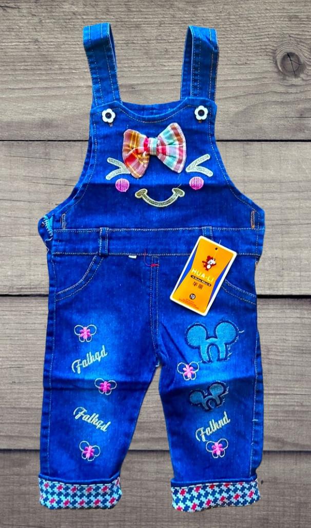 Модный детский джинсовый комбез на девочку