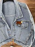 Джинсовая куртка женская укороченная оверсайз размера в голубом цвете (р. 42-46) 8101631, фото 3