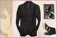 Жакет женский с черной окантовкой