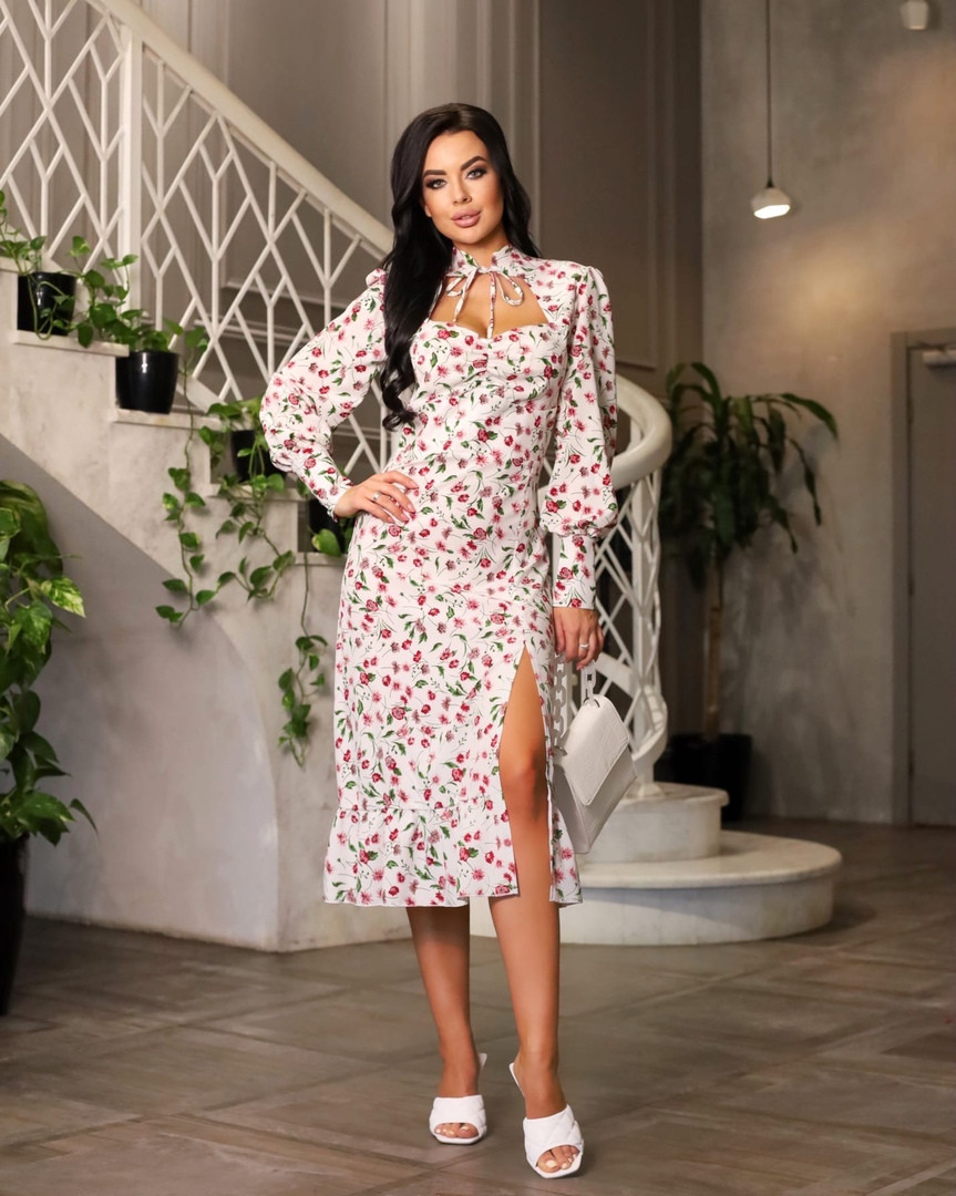 Платье софт миди с цветочным принтом и разрезом сбоку
