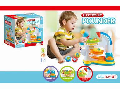 9818 Игра 33-32-18см, молоточек, шарики 4шт, муз, звук, на бат-ке, в кор-ке, 35-33-19см Toys