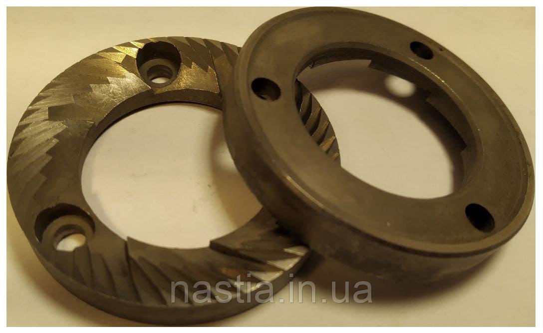 MAC048 Ножі(пара), 49х30х7(праві, 3 отвори)