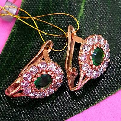 Золотые серьги с зеленым камнем - Серьги из золота для девочки