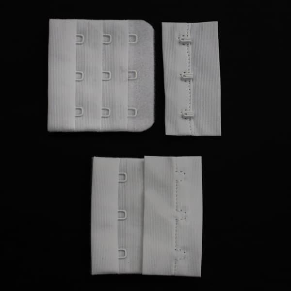 Застібка-подовжувач на три петлі, біла