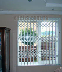 Решетки на окна раздвижные для дома