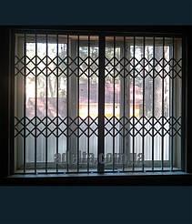 Решетка на окно раздвижная для квартиры