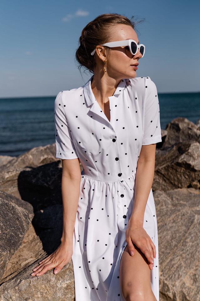 Красивое платье-рубашка в горошек