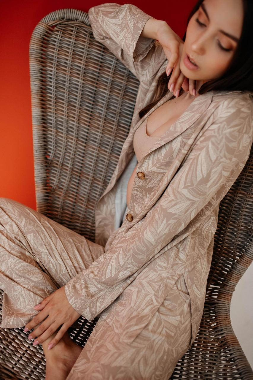 Женский костюм из штапеля