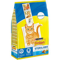Корм Friskies Sterilised 10 кг для стерилізованих кішок і кастрованих котів з лососем і овочами