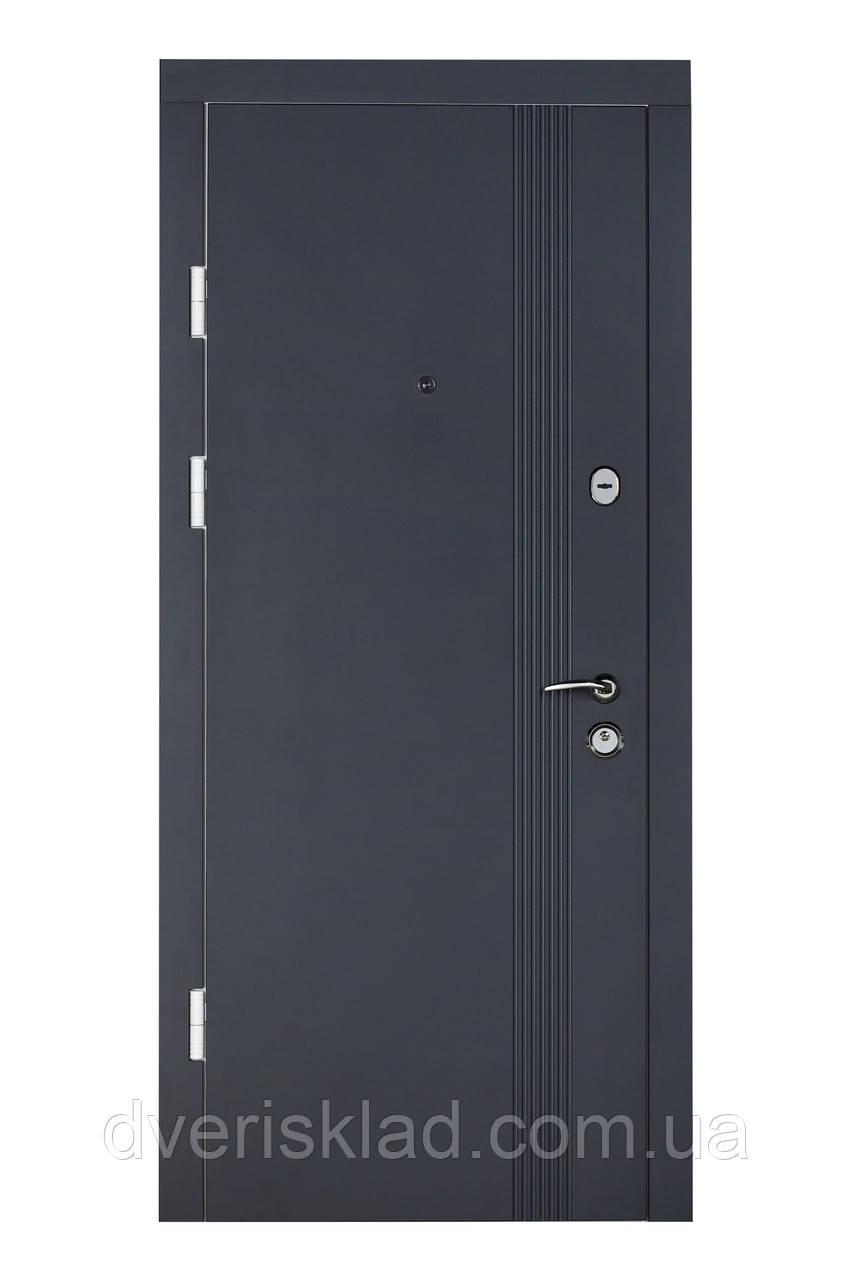 Двери бронированные Булат-95 Лайн графит мат/белый супер мат