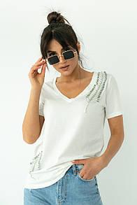 Женская базовая белая футболка с булавками