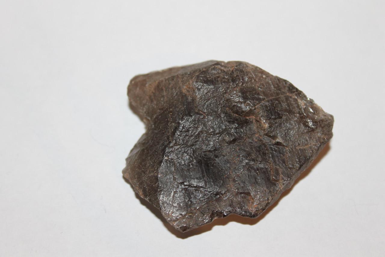 Раух-топаз камень 53*43*20 мм. натуральный дымчатый кварц