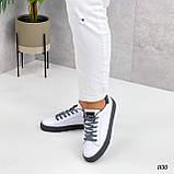 Жіночі кросівки - кеди білі з сірими еко-шкіра з перфорацією весна / літо/ осінь, фото 2