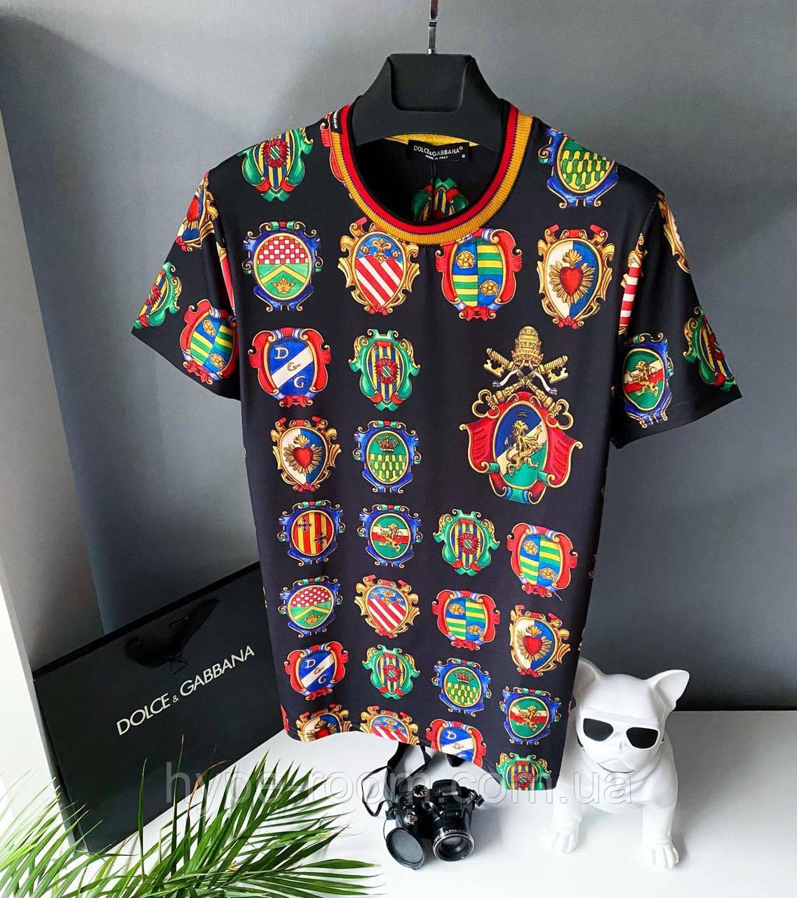 Чоловіча футболка у стилі Dolce Gabbana чорна з малюнками дольче Габбана