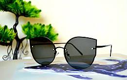 Солнцезащитные черные очки, интересная форма