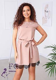 Женское нежное свободное платье с поясом и кружевом