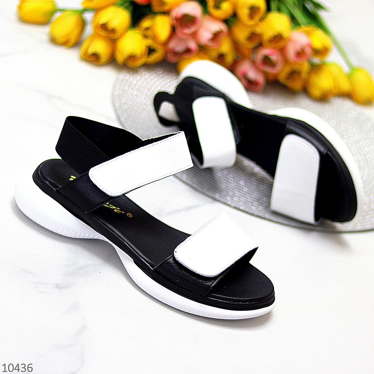 Модельні чорно - білі шкіряні жіночі босоніжки натуральна коду на липучках 36-23см