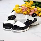 Модельні чорно - білі шкіряні жіночі босоніжки натуральна коду на липучках 36-23см, фото 8