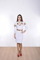 Нарядное платье в белом цвете с вышитыми цветами