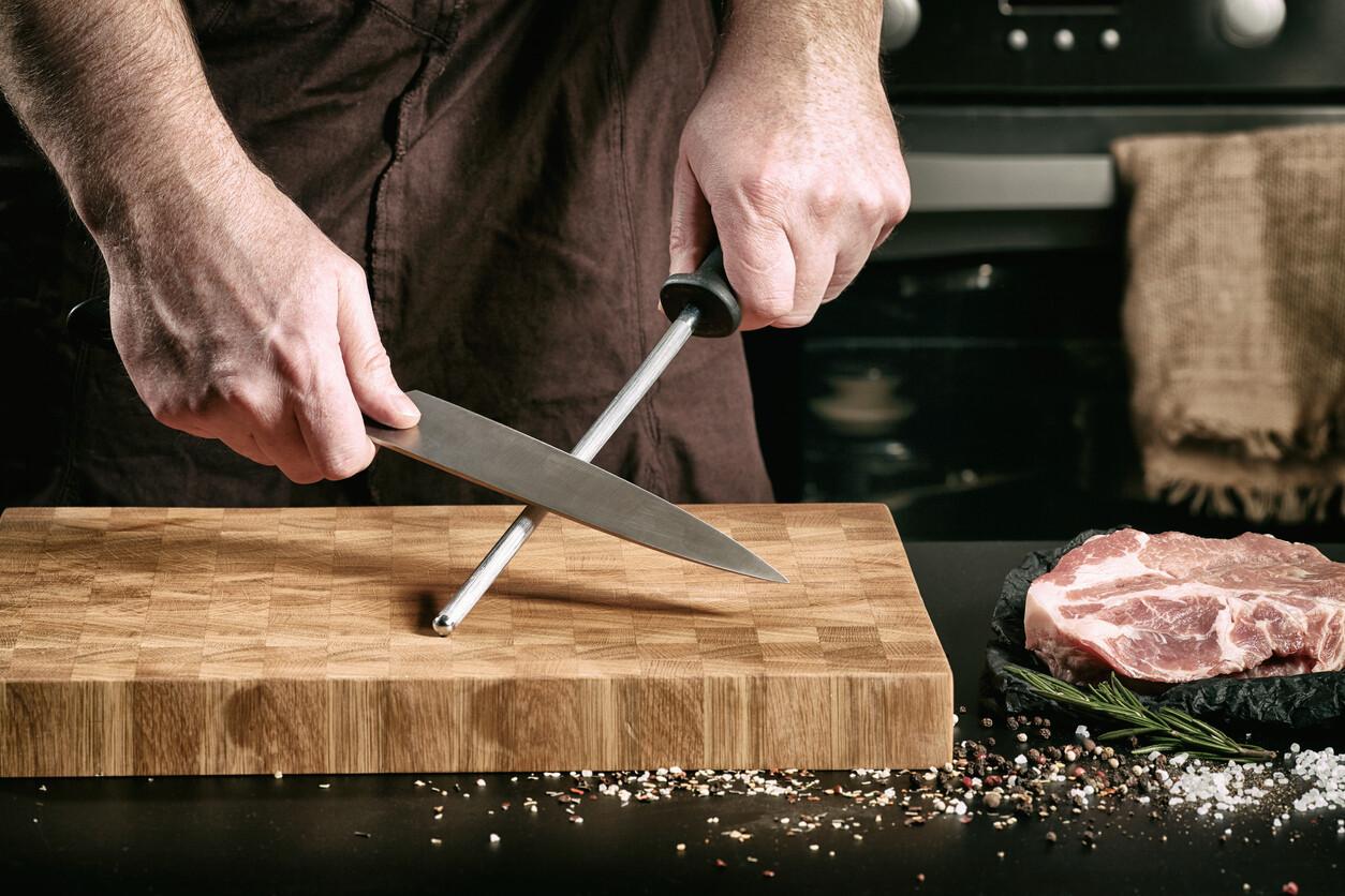 Как и чем правильно точить ножи? Полезные рекомендации для новичков