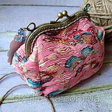 Текстильная сумочка с бронзовым фигурным фермуаром
