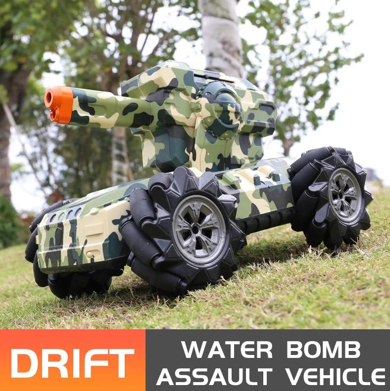 Танк перевертыш с водными бомбами и управлением жестами цвет Камуфляж