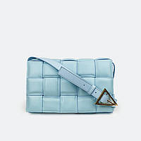 Модная женская сумка кожаная средняя на плечо голубая 9095