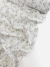 Муслин (хлопковая ткань) веточки и листики на белом