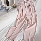 Женские брюки с ремнем в цвете пудра, фото 3