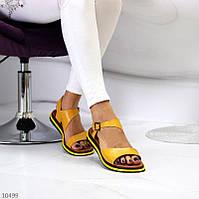 """Жіночі шкіряні босоніжки на низькому ходу Жовті """"Bevel"""", фото 1"""