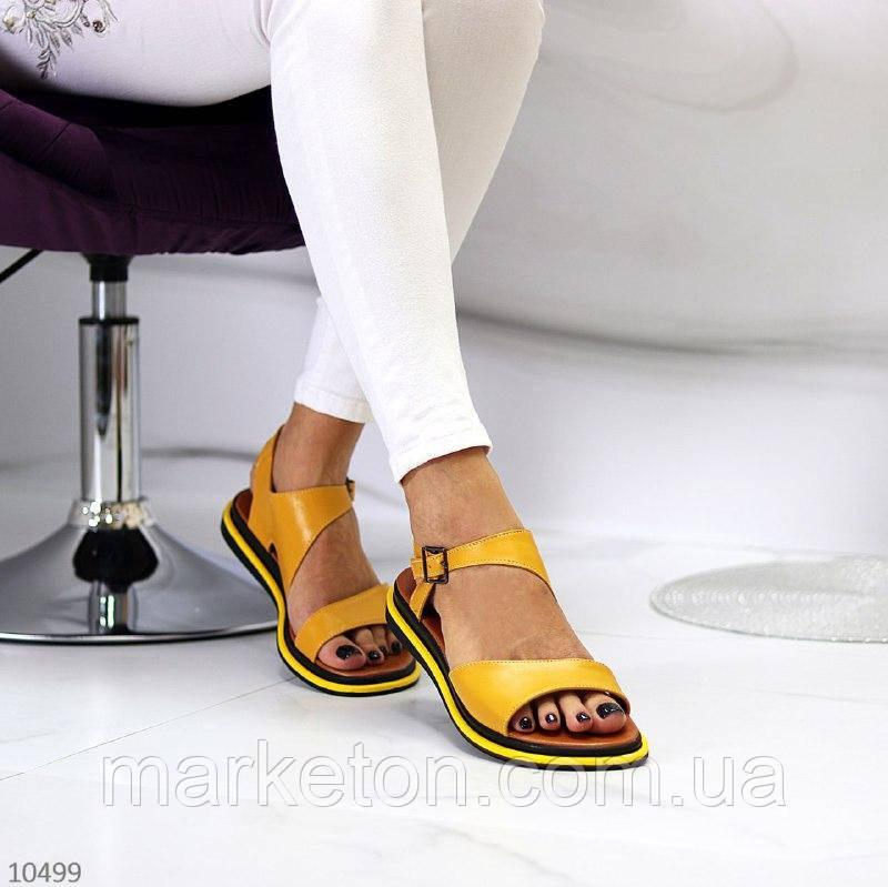 """Жіночі шкіряні босоніжки на низькому ходу Жовті """"Bevel"""""""