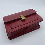 Женская классическая сумочка кросс-боди на ремешке через плечо рептилия крокодил питон красная, фото 6
