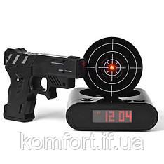 Годинник будильник з мішенню і пістолетом Gun Alarm Clock