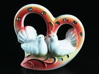 Фарфоровая фигурка / Два голубя / Большое сердце / Стразы / 11 см 11x10x4 см