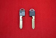 Ключ вставка Infiniti FX35, FX45, QX56, M35 с местом под чип