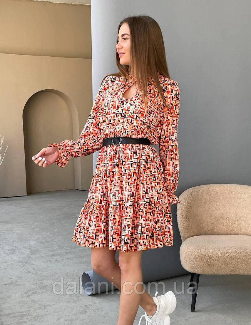 Женское весеннее красное платье с геометрическим принтом