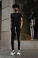 Чоловічий спортивний костюм з лампасами