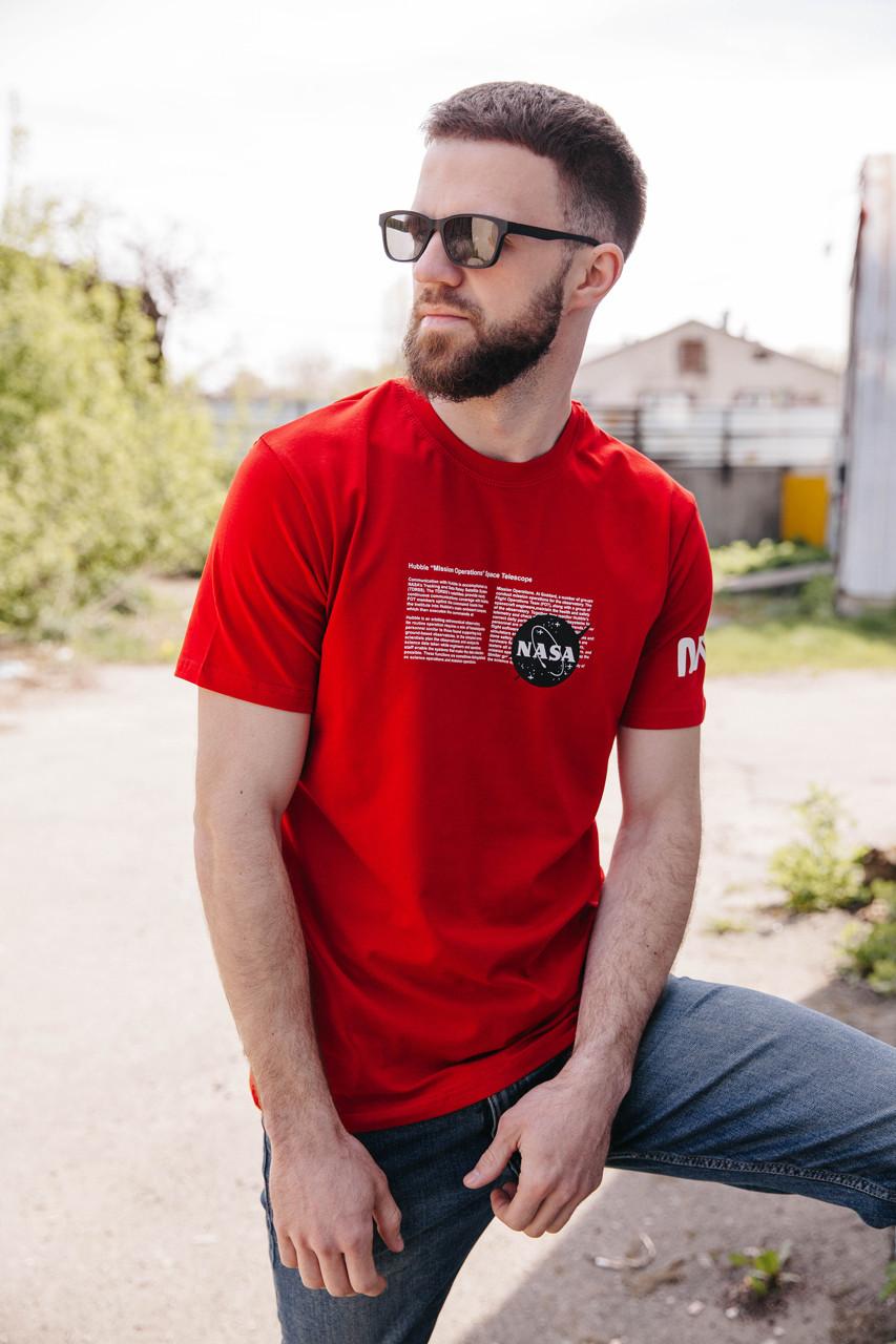 Стильна універсальна чоловіча футболка червоного кольору з написом на грудях/ Футболка чоловіча NASA