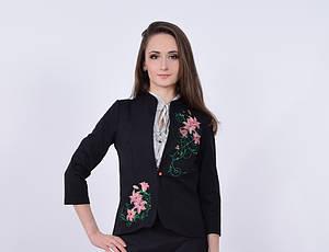 """Вышитый женский пиджак """"Букет лилий"""" черного цвета"""
