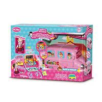 Автобус QL047 2в1(школьный класс), 26см, мебель, кукла 11см, в кор-ке, 50-34-18см