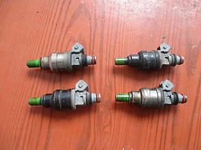 Форсунка топливная MDH240, INP064, MD175077 999324 Galant 93-96 r.  5k Mitsubishi